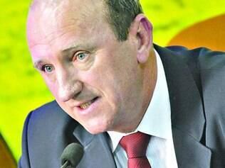 Neri Geller, ministro da Agricultura, explicou ainda que dos R$ 136 bilhões para o Plano Safra 2013/2014, que termina dia 30 deste mês, foram tomados empréstimos no total de R$ 127 bilhões em dez meses