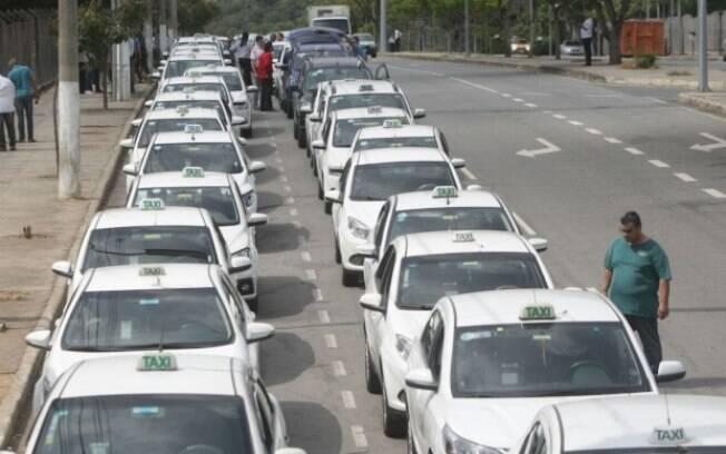 Receita Federal: taxistas podem solicitar isenção de impostos de forma eletrônica, no site da RF; veja