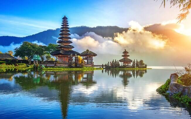 Bali é uma ilha que encanta por sua beleza natural e paisagens paradisíacas, por isso, é tão procurado pelos turistas