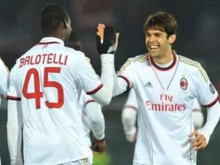 Mario Balotelli anotou os dois gols do Milan no empate em 2 a 2 com o Livorno