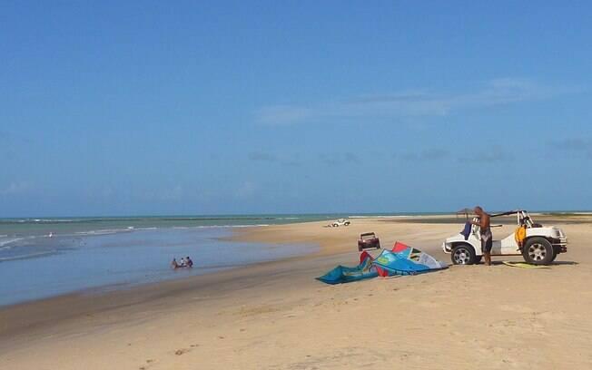 Praia do Santo Cristo, em São Miguel do Gostoso, ideal para esportes aquáticos