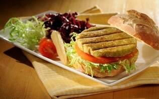 Hambúrguer de soja verde e arroz