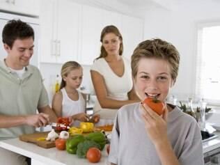 Alimentação: bactérias variam de acordo com a dieta e isso tem tudo a ver com a saúde