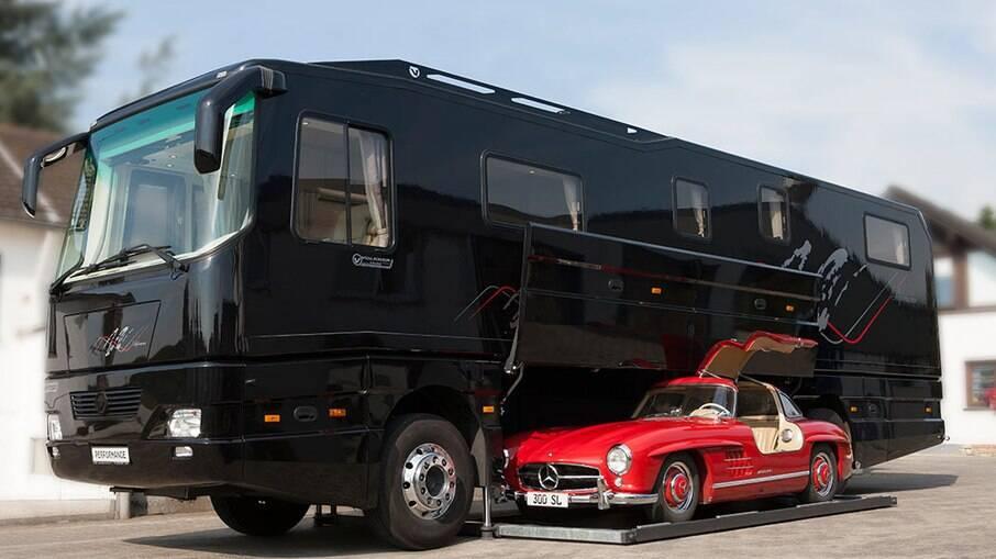 Motorhome Volkner Mobil Performance S tem até garagem para um superesportivo