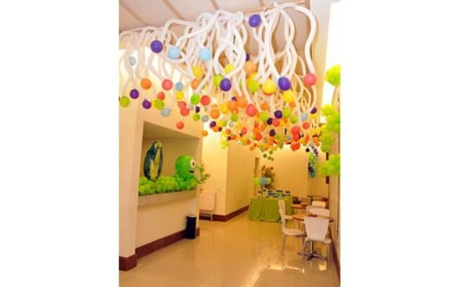 Como usar balões na decoraç u00e3o da festa de aniversário infantil Filhos iG -> Decoração De Festa Com Balões No Teto