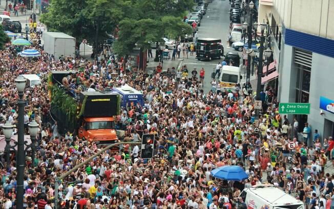 Os blocos de rua, em 2016, agitaram o carnaval brasileiro. Em São Paulo, o bloco 'Tarado Ni Você' arrastou milhares de foliões no centro da cidade