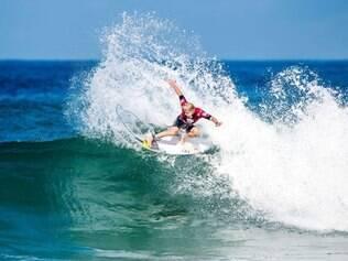 Mesmo sem condições ideais para o surfe, a organização do evento decidiu realizar a competição nesta quinta