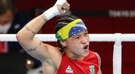 Bia Ferreira avança à semi e garante ao menos a medalha de bronze no boxe
