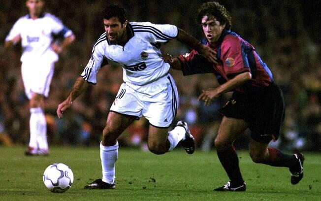 No primeiro encontro com o Barcelona depois  de se juntar ao Real Madrid, em outubro de 2000,  Luis Figo chegou a botar o dedo no ouvido por  causa das vaias