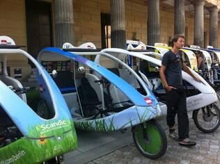 Um tour de bike é obrigatório em Berlim para entrar no clima: vale até bike taxi