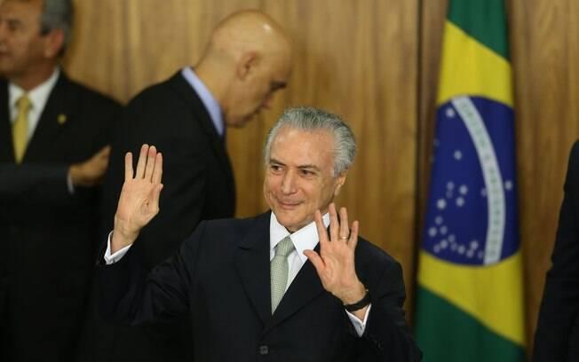O presidente em exercício Michel Temer durante cerimônia de posse de seu ministério realizada no Palácio do Planalto, em Brasília