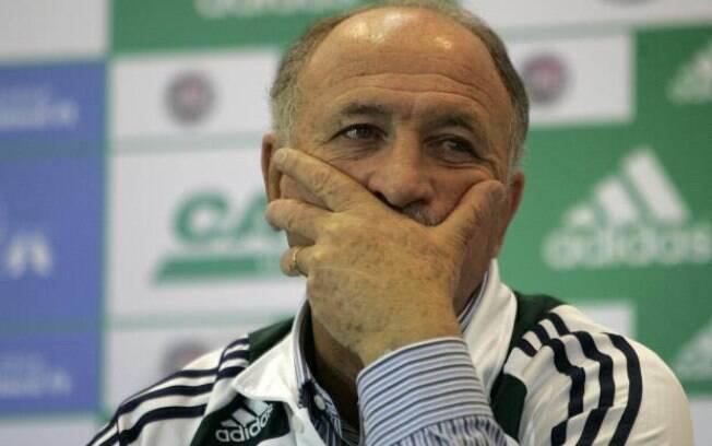 Técnico estava desempregado desde setembro,  quando foi demitido do Palmeiras após derrota para  o Vasco no Brasileirão 2012