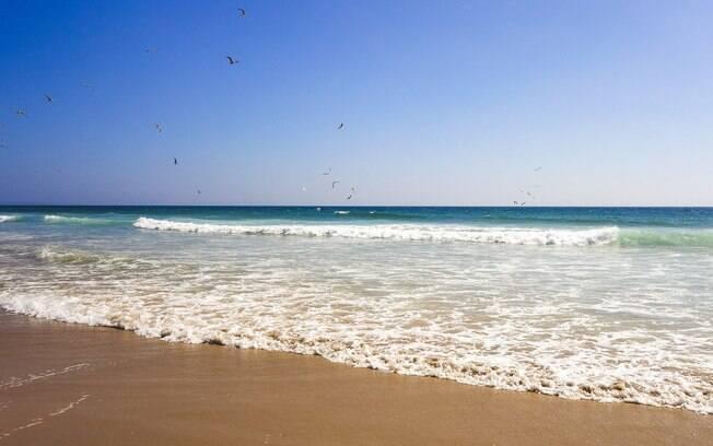 Os moradores que estão frequentando as praias devem estar cientes que a qualquer momento elas podem ser interditadas novamente