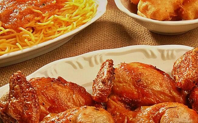 O rodízio Galeto Casa di Paolo, em Bento Gonçalves, inclui galeto al primo canto, sopa de capeletti, polenta, radicce, salada de batata com maionese e muito mais. Foto: Divulgação