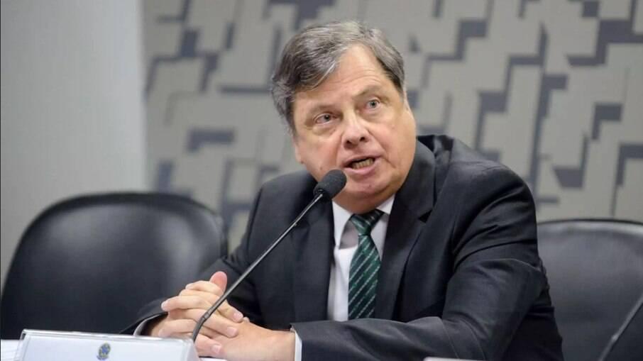 Embaixador do Brasil atribui hospitais lotados a