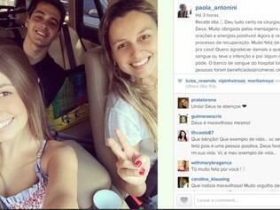 Modelo postou foto com dois amigos comemorando saída do hospital