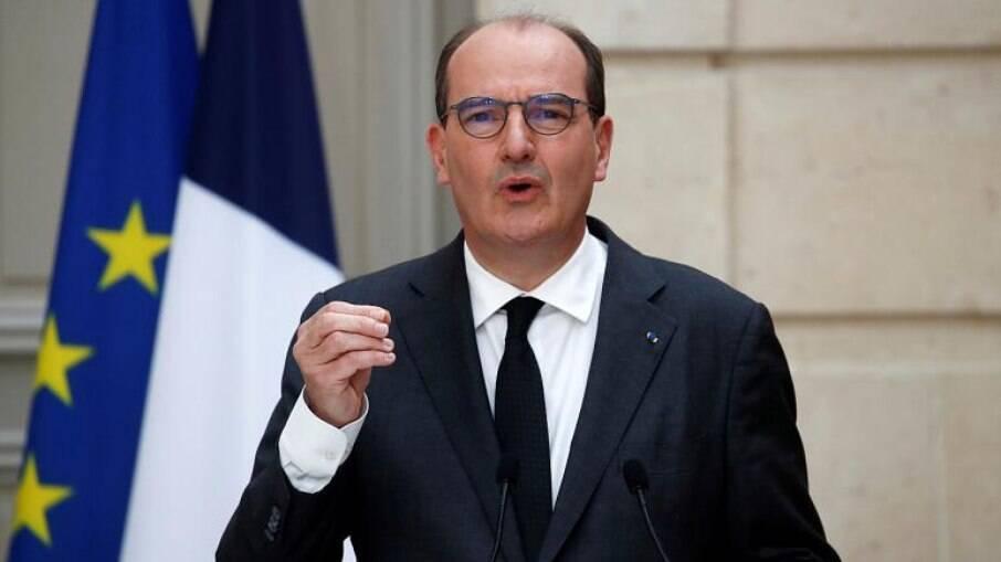 Jean Castex pede para que franceses não tenham medo da vacina, e sim do vírus