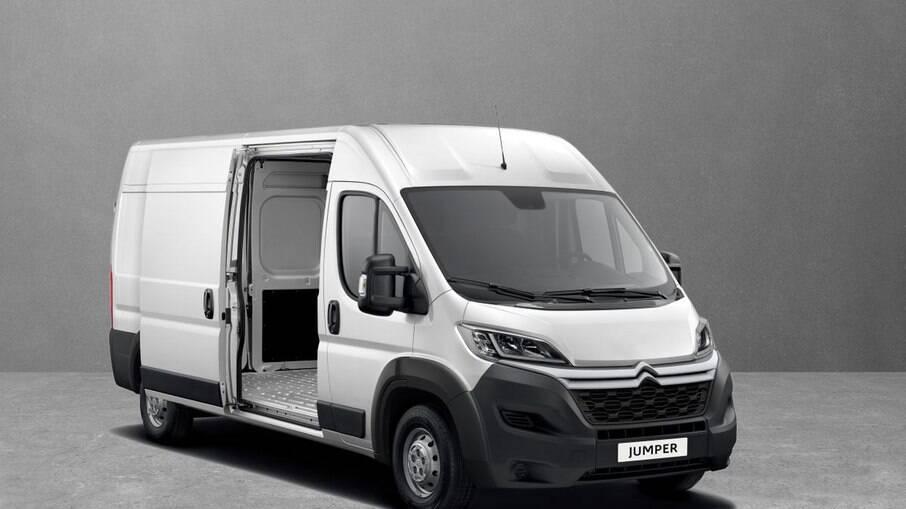 Jumper Cargo, Furgão e Minibus tem descontos exclusivos e 1 ano de parcelas a R$ 299, com saldo total em 60 meses.