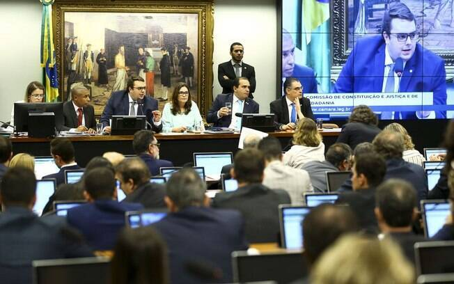 Líder do Centrão afirmou que há acordo para votar Previdência nesta terça-feira (23) na CCJ