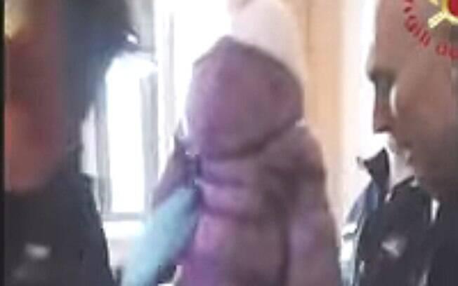 A criança foi resgatada sem nenhum ferimento