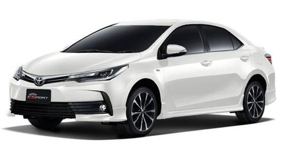 Toyota Corolla renovado chega em março, com nova versão esportivada