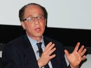 Futurista Ray Kurzweil é mundialmente conhecido pela propagação da ideia de singularidade tecnológica