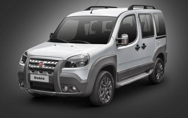 Fiat Doblò vai completar 18 anos no mercado brasileiro em novembro e se mantém nas lojas da marca