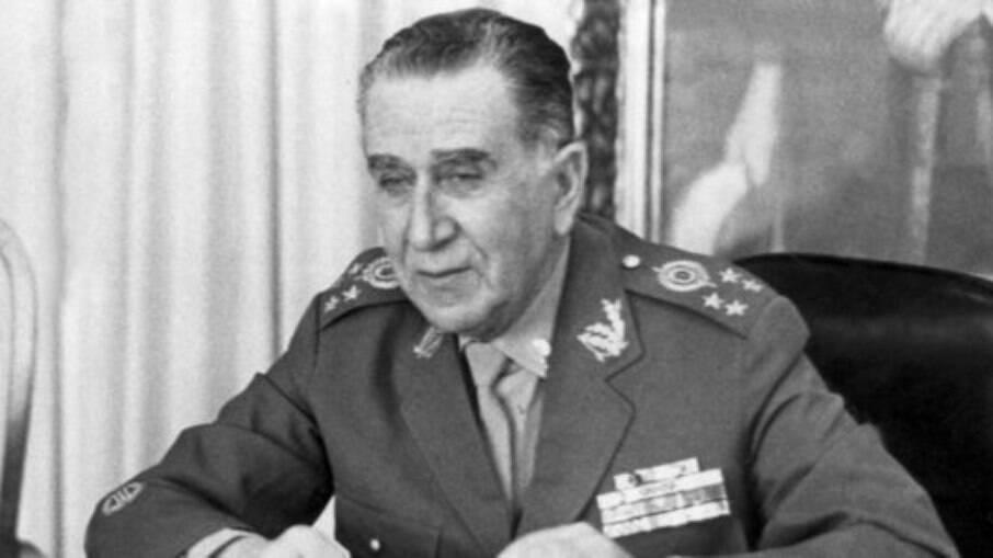 Médici foi presidente do Brasil de 1969 a 1974 no período da ditadura militar