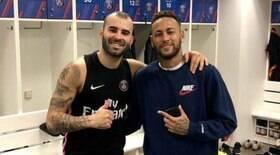Ex-companheiro de Neymar é acusado de trair esposa