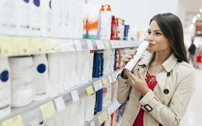 Antes de incluir os produtos para bebês na sua rotina de beleza, a recomendação é visitar um profissional que os indique