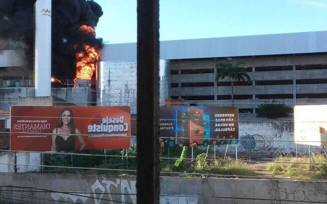 Shopping em Natal é atingido por incêndio