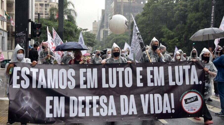 O protesto ocorreu na manhã desta sexta-feira (26) na capital paulista