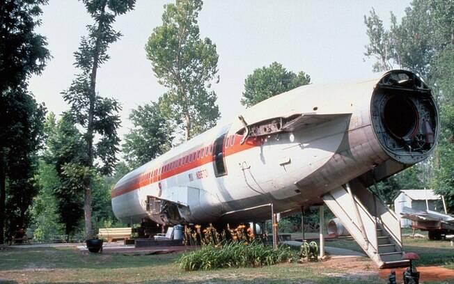 avião que foi transformado em casa.