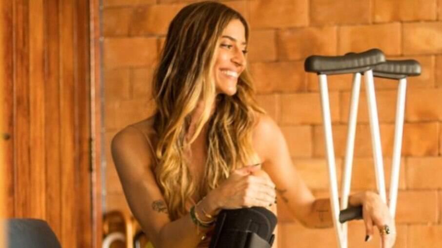 Maria Joana surge de muleta após eliminação na 'Super Dança dos Famosos'