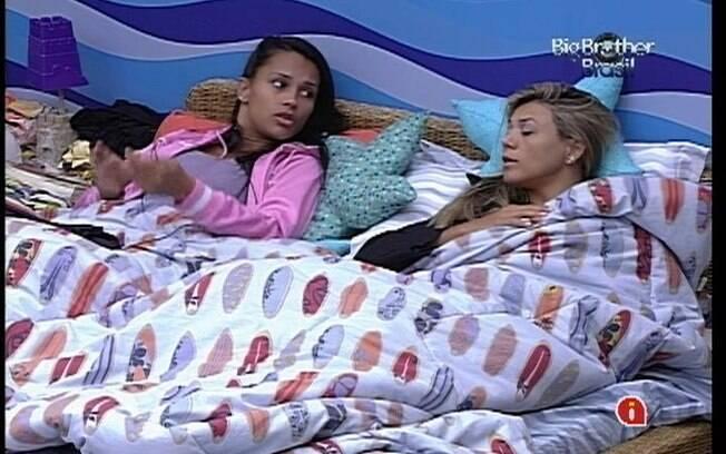 Kelly e Fabiana tentam explicar porque não votaram na mesma pessoa que Fael, Jonas e João Maurício escolheram