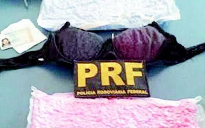 A apreensão de drogas num sutiã surpreendeu os agentes da PRF