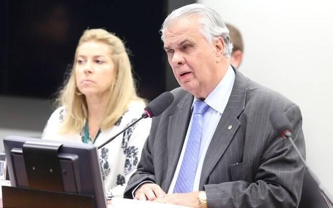 Para Araújo, projeto de Cunha 'fere de morte' o Conselho de Ética, que pode cassá-lo