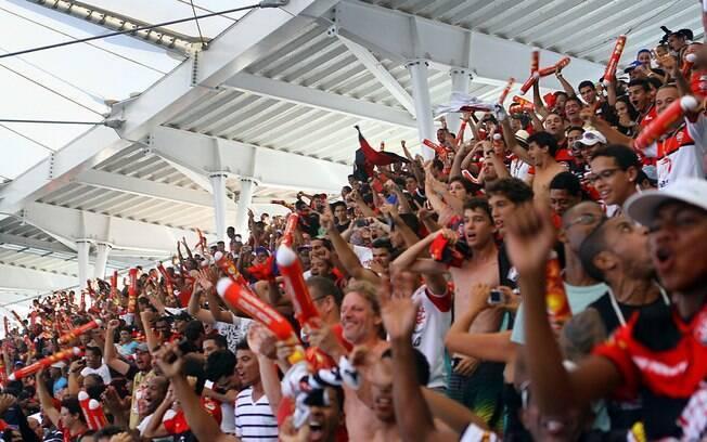 Torcida do Vitória comemorou os três primeiros gols da Arena Fonte Nova