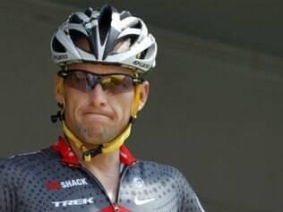 Cycle of Lies: The Fall of Lance Armstrong (Ciclo de Mentiras: A Queda de Lance Armstrong), relata a recuperação do câncer, o declínio e como o escândalo alterou cada conquista na carreira do ex-atleta