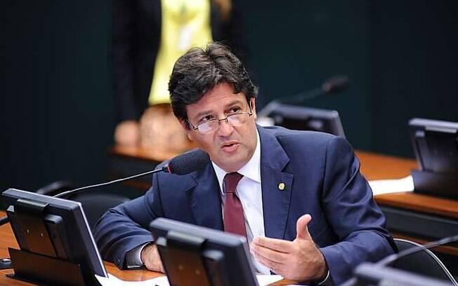 Deputado Mandetta (DEM-MS) é escolhido por Bolsonaro como futuro ministro da Saúde