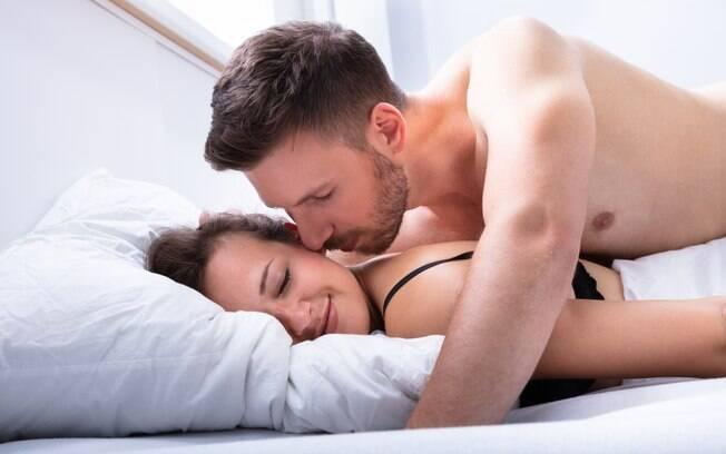 Um dos tipos de orgasmo é o anal, que merece cuidado na hora do sexo, já que a região não tem lubrificação natural