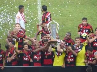 Equipe rubro-negra comemora conquista em Manaus