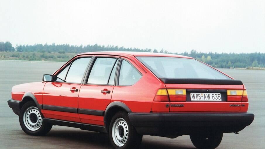 VW Passat Fastback da segunda geração não foi mais vendida no Brasil., onde o carro veio importado como sedã e perua