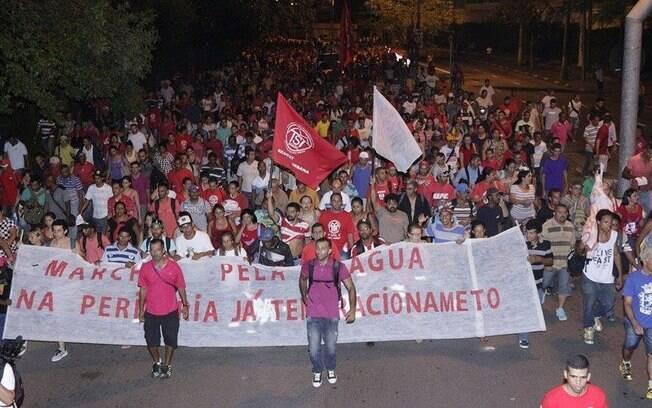Marcha pela água realizada pelo MTST em 26 de fevereiro: grupo volta às ruas 20 dias depois