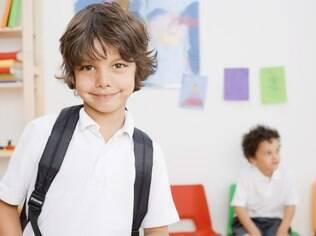 Se a escola prioriza o conteúdo, a família deve estar preparada para apoiar a criança em extensos deveres de casa