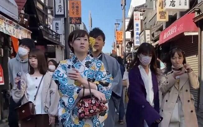 Japão não adotou medidas drásticas de quarentena, mas já começou a ser criticado