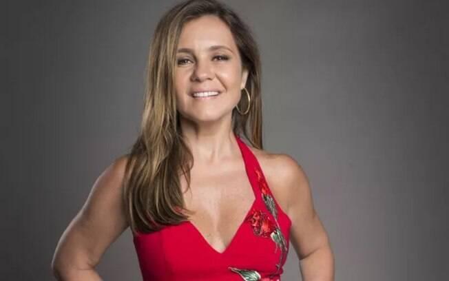 Celebridades com 50 anos em 2019! Atriz Adriana Esteves