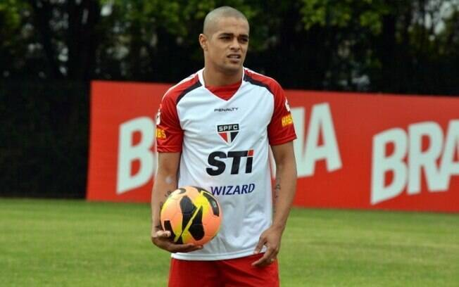 Welliton defendeu as cores do São Paulo em 2013