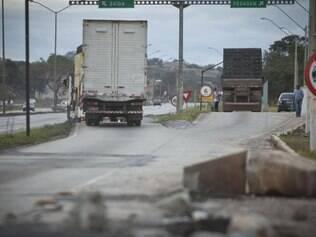 Destruída. Balança na BR–040, na altura de Ribeirão das Neves, está entre as desativadas