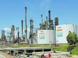 Petrobras.  Ações da estatal caíram 5,82% ontem e atingiram o menor valor desde 11 de agosto de 2004 e a tendência é de mais queda